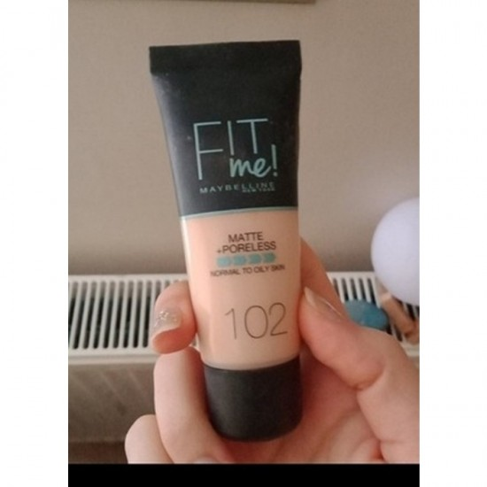Maybelline Fit Me Matte and Poreless Foundation - 102 Fair Ivory