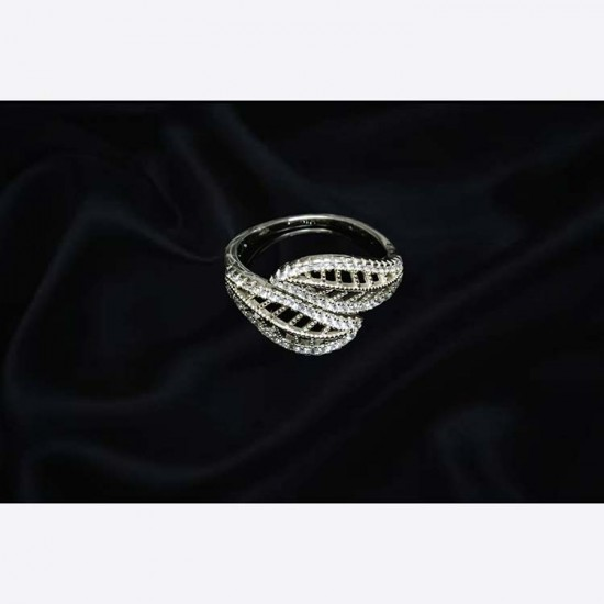 Reina Floral Zircon Studded Ring