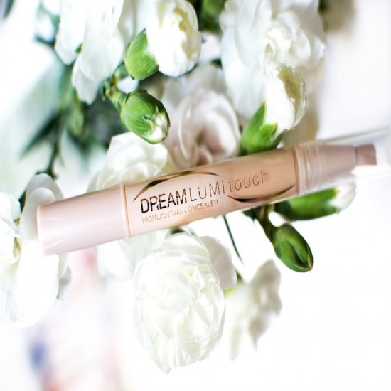 Maybelline Dream Touch Lumi Concealer - 02 Nude