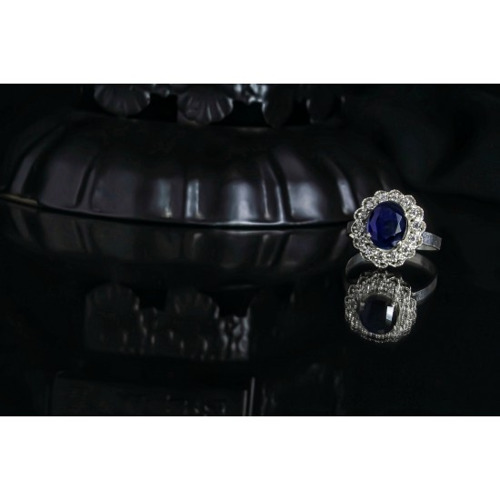 Reina Sapphire Blue Zircon Studded Ring