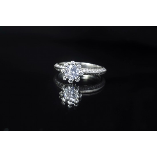Reina Sparkling Solitaire Ring